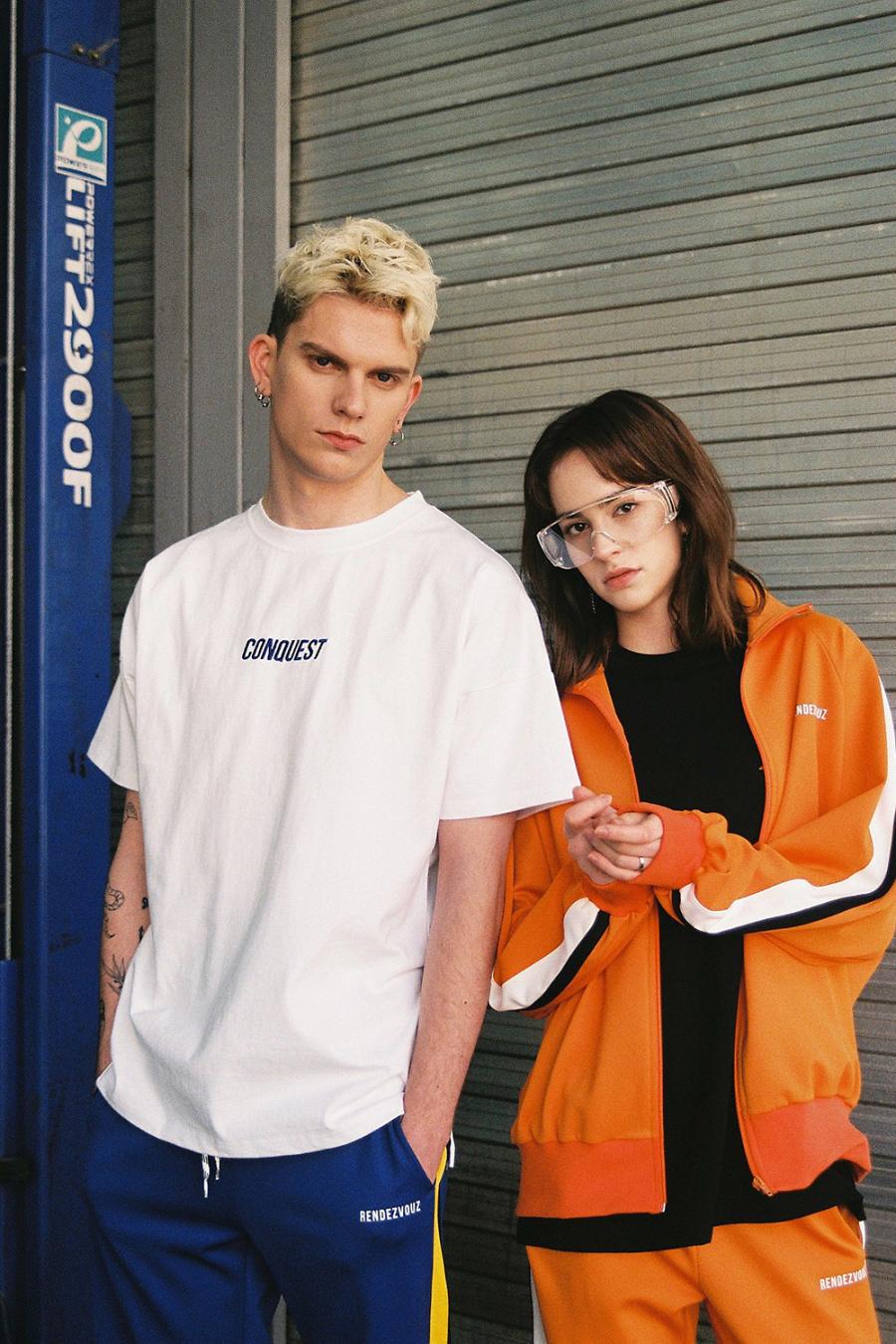 알디브이제트(RDVZ) 컨퀘스트 티셔츠 화이트