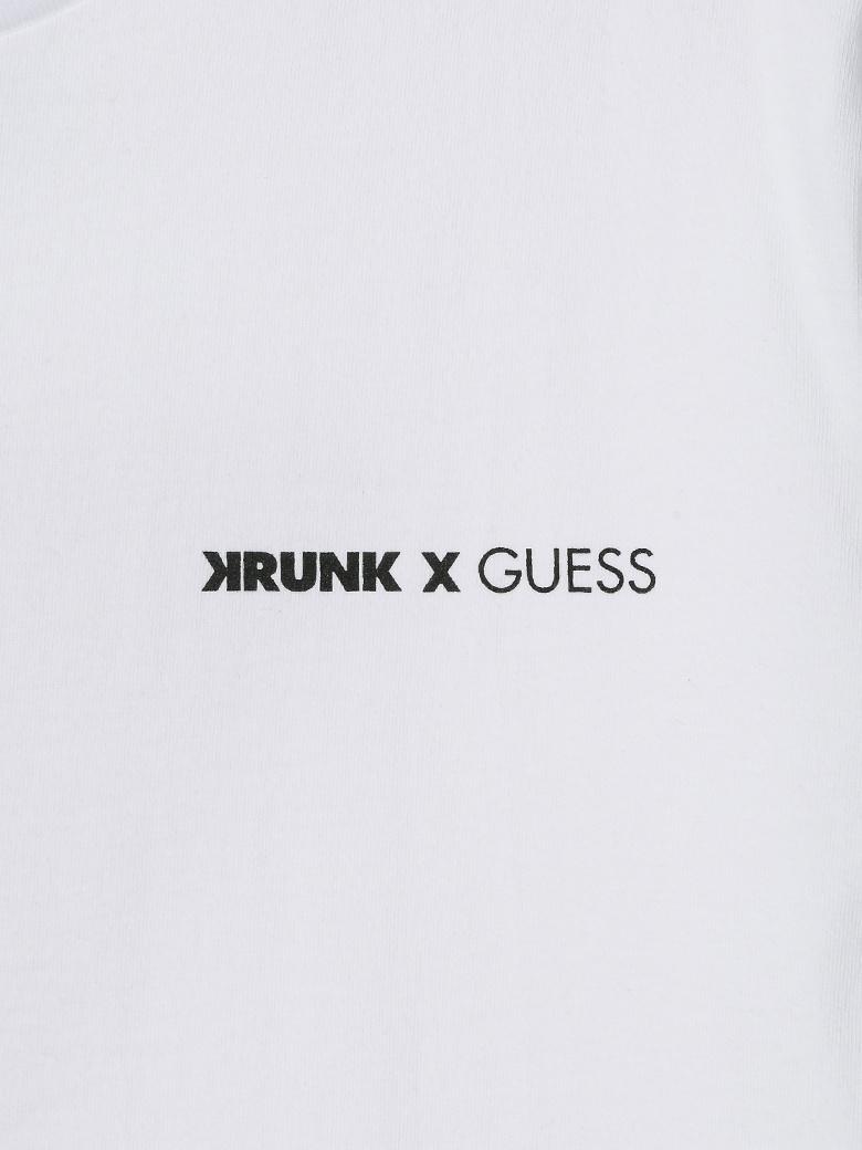 게스(GUESS) [KRUNK] 등판 크렁크 ▽로고 반팔