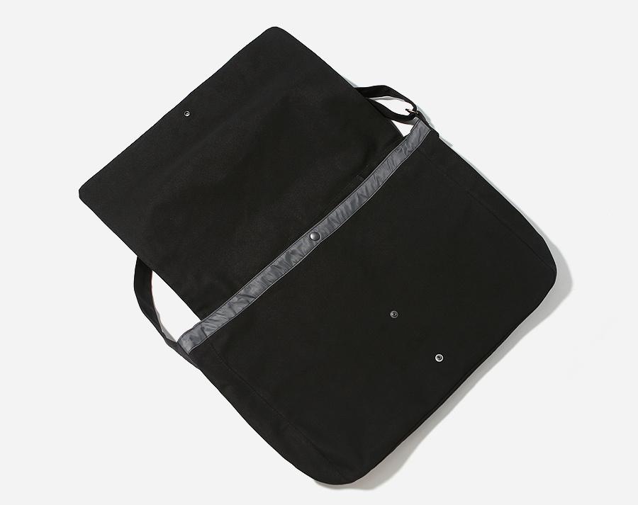 커버낫(COVERNAT) AUTHENTIC LOGO MAIL BAG BLACK