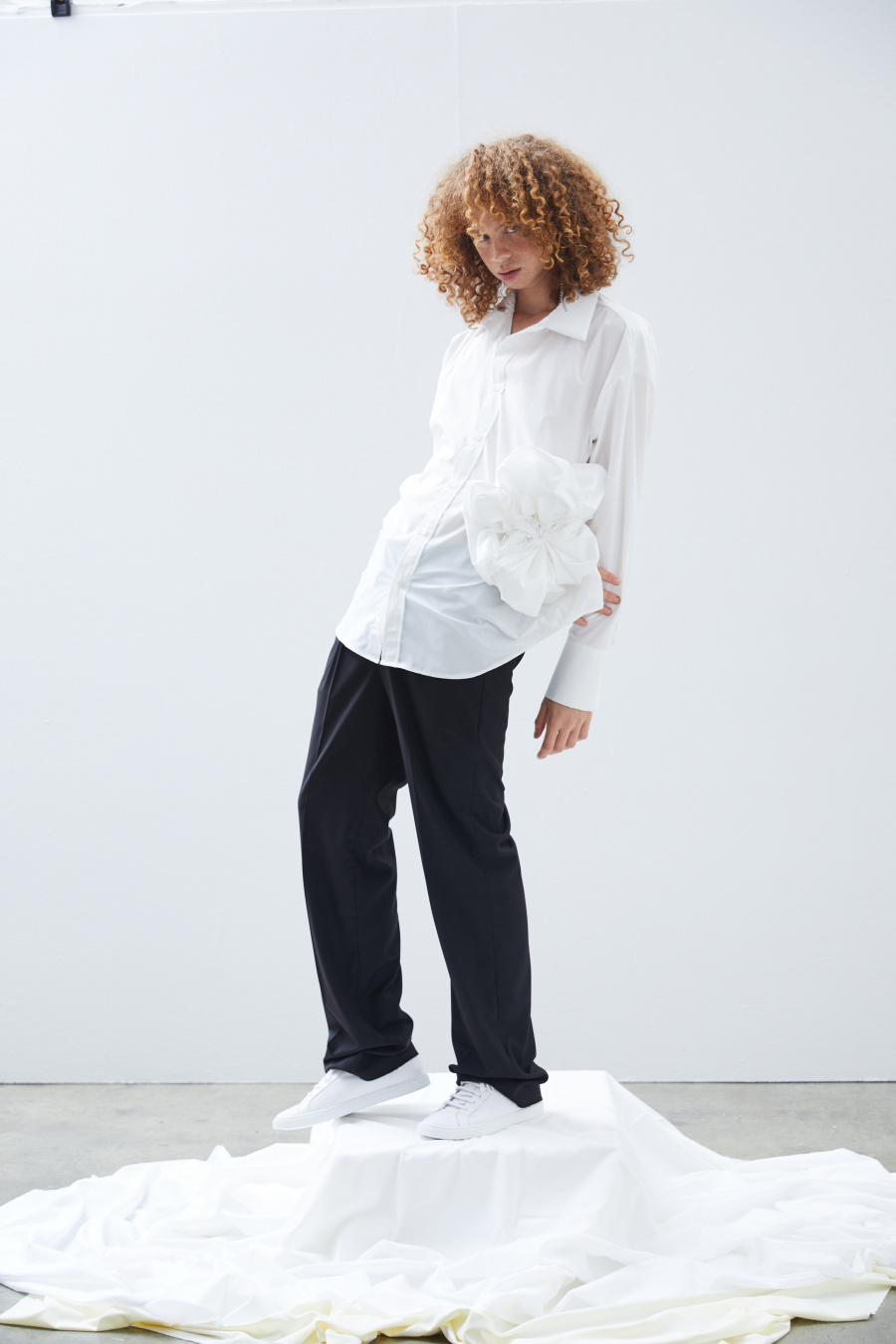 밀린(MILLIN) [BOUTIQUE LINE] SMOCKING SHIRT (White)