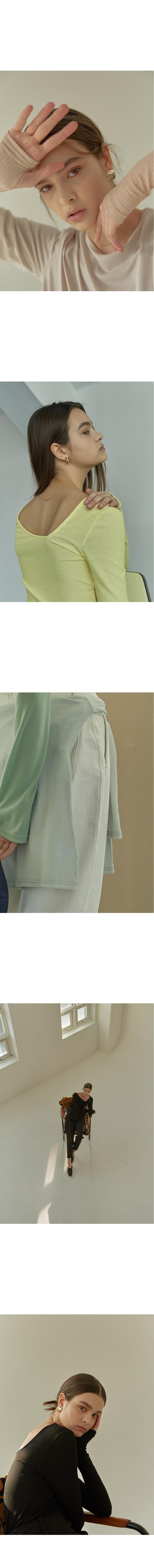 마조네(MA JOURNEE) 넥포인트 티셔츠_블랙
