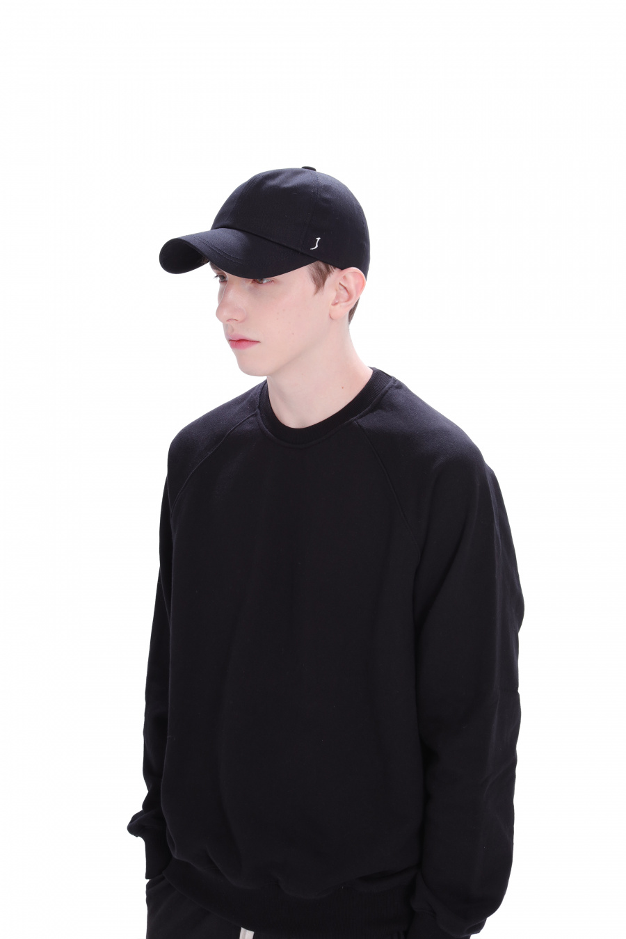 조이먼트(JOYMENT) COTTON LOGO J BALL CAP(BK)