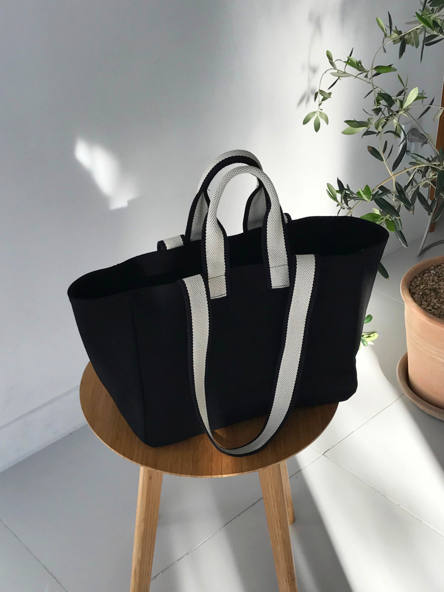 언폴드(UNFOLD) Two tone strap bag - black