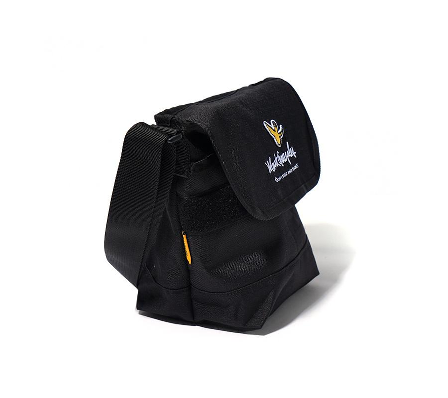 마크 곤잘레스(MARK GONZALES) M/G SMALL MESSENGER BAG BLACK