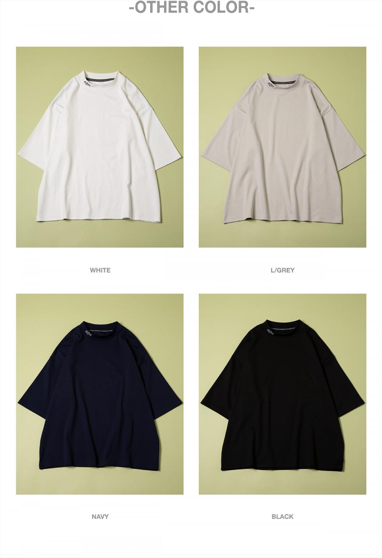 캐스퍼존아이바(CASPERJOHNAIVER) 실키 로고 넥 포인트 티셔츠(화이트)