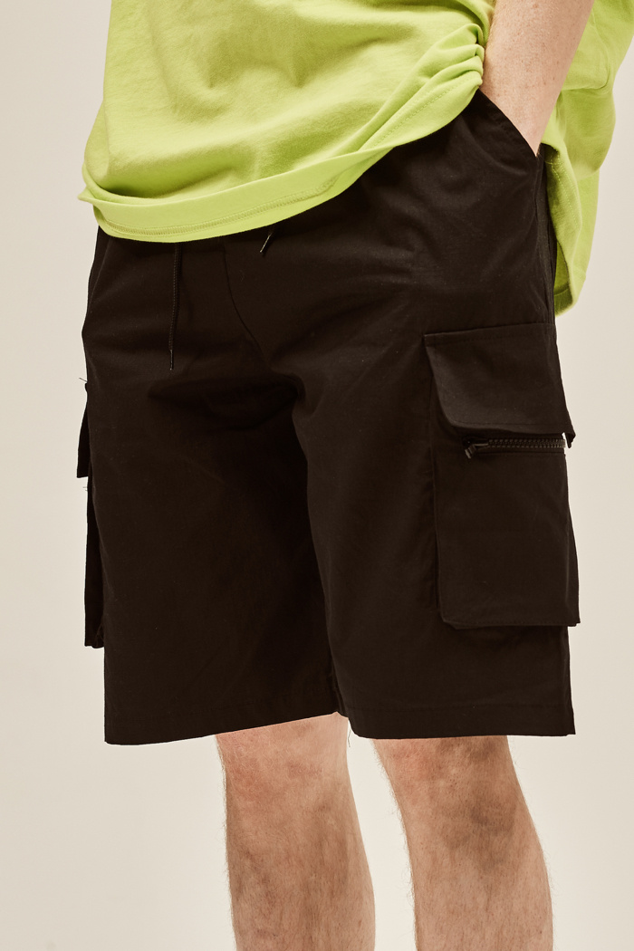 데드엔드(DEADEND) BLACK CARGO ZIPPER SHORT PANTS
