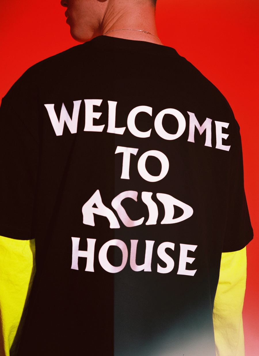 인터내셔널(THE INTERNATIIIONAL) ACID Reflective Tee