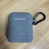 마크 곤잘레스(MARK GONZALES) M/G ANGEL AIRPODS CASE NAVY 후기