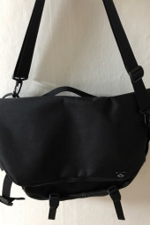 브라운브레스(BROWNBREATH) STRIVE MESSENGER BAG - BLACK 후기