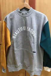 모티브스트릿(MOTIVESTREET) [기모추가]COLOR BLOCK SWEAT SHIRT GRAY 후기
