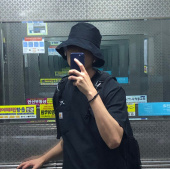 바잘(VARZAR) [12차 재입고] Wide brim washing bucket hat black 후기