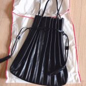 조셉앤스테이시(JOSEPH&STACEY) Lucky Pleats Shopper Cracked Black 후기