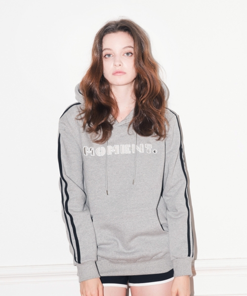 앳 더 모먼트(AT THE MOMENT) MOMENT Laser Cutting Hoddie (GRAY)