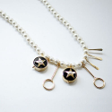 트레쥬(TREAJU) Round black gold star Necklace