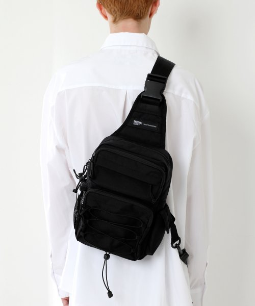 피스메이커(PIECE MAKER) CORDURA TECH SLING BAG (ALL BLACK)
