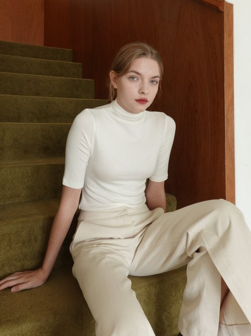 르(LE) MID-SLEEVE TURTLE NECK TOP_IVORY