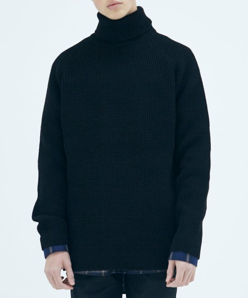 쟈니웨스트(JHONNY WEST) Critical Long Turtleneck (Black)
