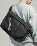 몬스터리퍼블릭() EXPAND MESSENGER BAG / BLACK
