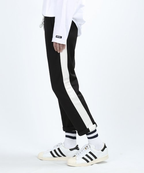 베리베인(VERYVAIN) ESSENTIAL LINE PANTS (BLACK)