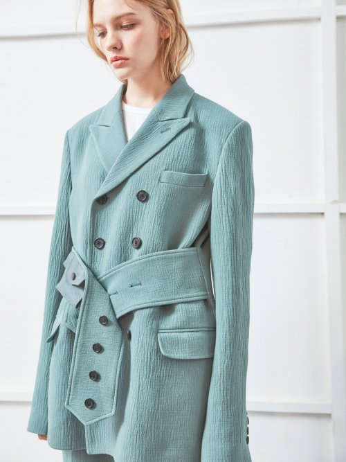 노앙(NOHANT) BELTED TAILORED JACKET GREEN