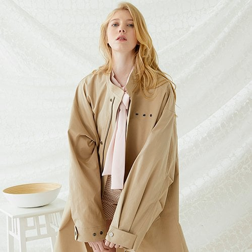 밀로그램(MILLOGREM) Trunk Fishtail Jacket - Beige