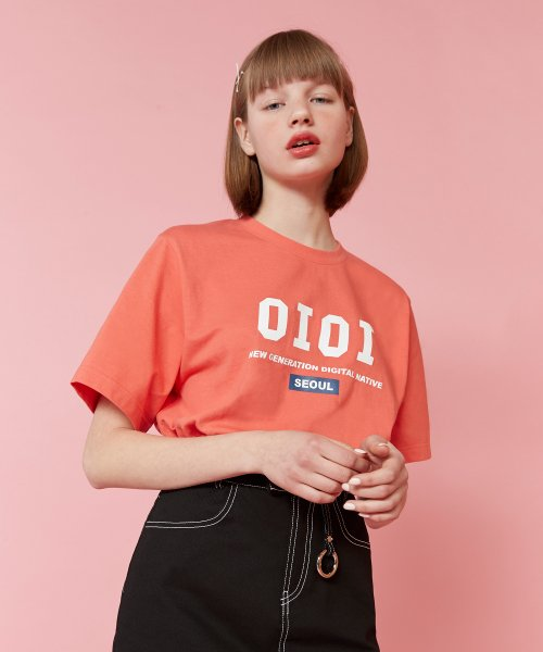 2019 SIGNATURE T-SHIRTS_living coral