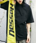 맥앤칩스(MCNCHIPS) HORIZONTAL LINE TEE BLACK
