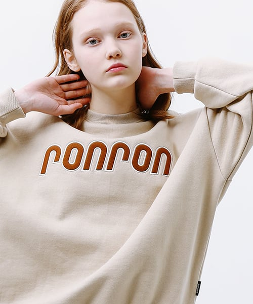 론론(RONRON) BOUCLE LOGO POINT SWEATSHIRT BEIGE