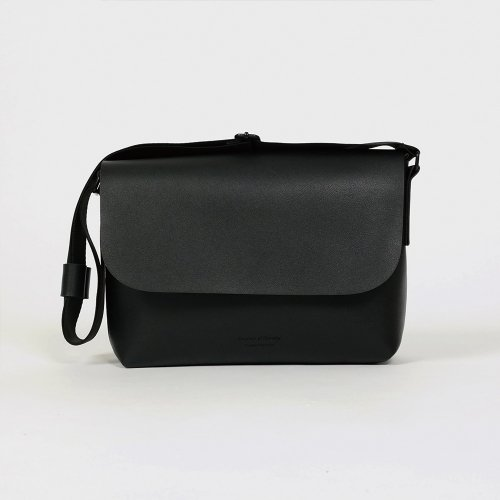 반(BAAN) 106 MINI CROSSBAG BLACK