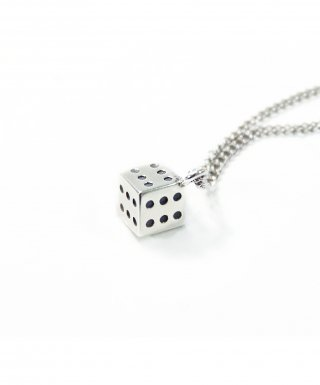 티슈클럽밴드(TISSU CLUBBAND) Dice Shaped Necklace