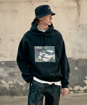 이베스가(YVESGA) Car Graphic Hoodie_Black
