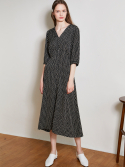룩캐스트() BLACK V NECK PRINTING LONG DRESS