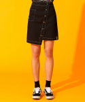 하이버넷(HYBERNAT) UNBALANCED BUTTON MINI SKIRT-BLACK