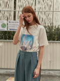 레이브(RAIVE) Oversized Bluish Print Tee in White_VW0SE0940