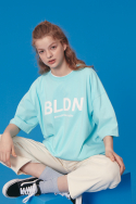 블론드나인(BLOND9) BLDN WHITE LOGO T-SHIRTS_SKY BLUE