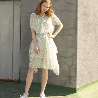 쏘리, 투 머치 러브(SORRY, TOO MUCH LOVE) Brooklyn Ribbon Tie Gather Dress_White