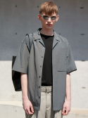 던스트(DUNST) TECHNICAL OPEN COLLAR DARK GREEN  UDSH0E311E3