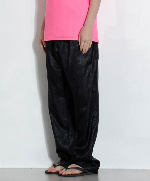 스텝온리(STAFFONLY) STRAIGHT PANTS (BLACK)