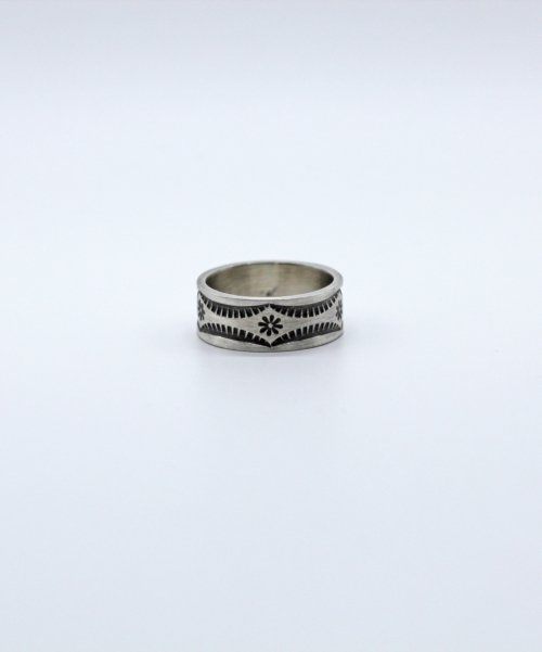 나인달러(NINE DOLLAR) Flower stamp ring