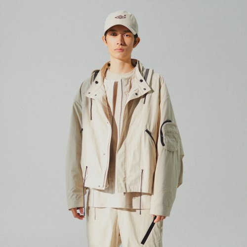 엄브로(UMBRO) Full Zip-Up X Padding Beige (U0421CPJN7)