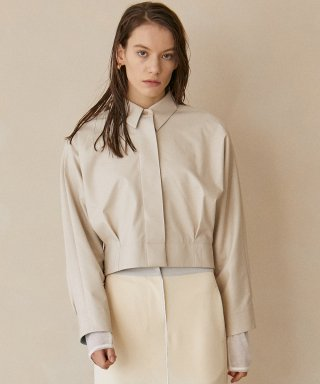 아위(AHWE) Nicky Eco-leather Cropped Shirt_Cream